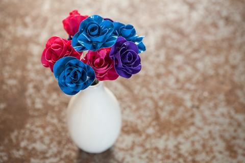 hướng dẫn bạn làm lọ hoa hồng thật đơn giản mà đẹp